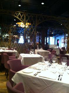 George Restaurant in Toronto, ON Tasting menu 7 or 10 courses is a must. Best Restaurants In Toronto, Toronto Nightlife, Tasting Menu, Food Service, Gta, Four Square, Night Life, Entertainment, Entertaining