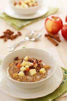 Overnight Apple Pie Steel Cut Oatmeal - I made a weeks in advance and grabbed each morning on my way out the door
