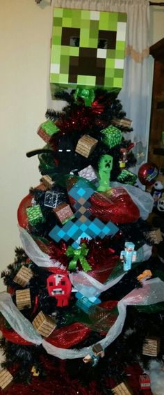 Minecraft Christmas tree idea Minecraft Christmas Tree, Christmas Trees For Kids, Office Christmas, Christmas Tree Themes, Christmas Vacation, Xmas Tree, All Things Christmas, Christmas Holidays, Christmas Wreaths
