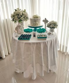 Birthday Desserts, Diy Birthday, Birthday Decorations, Birthday Parties, 50th Anniversary Cakes, Eid Crafts, Baptism Centerpieces, Spring Home Decor, Communion