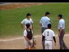 Pine Tar Incident with George Brett Kc Royals Baseball, Baseball Games, Thunder Nba, The Sporting Life, Baseball Classic, Sport Icon, Kansas City Royals, World Of Sports, New York Yankees