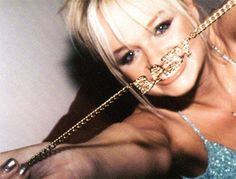 BABY SPICE NECKLACE on The Hunt
