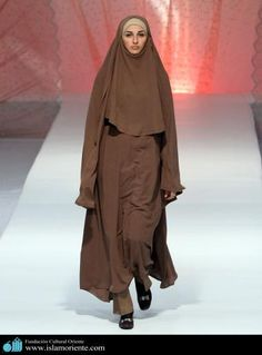 Mujer musulmana y desfile de moda - 41
