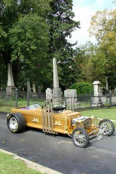 Count Dracula Mobile made out of a Coffin allmonautoparts@yahoo.com
