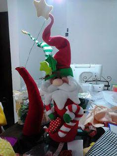 SANTAS ESTILIZADOS Snowman Ornaments, Elf On The Shelf, Coca Cola, Dinosaur Stuffed Animal, Santa, Xmas, Holiday Decor, Home Decor, Sewing Toys