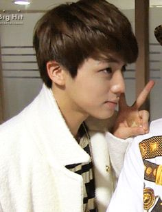 AAWW JIN SO CUTEEE❤️ soo young! WHERE HAVE THE DAYS GONE!!!??? WHERE!!!?? nowhere cuz he's still cute and cudly
