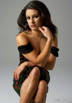 Lea Michele is an actress and singer known for New Year's Eve, as Rachel Berry on Glee and as Hester Ulrich on Scream Queens. Stunning Women, Beautiful Models, Most Beautiful Women, Famous Vegans, Rachel Berry, Lea Michele, Vegan Beauty, Celebs, Celebrities