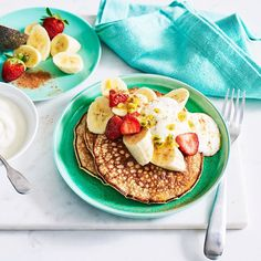 A healthier WW recipe for Two ingredient pancakes ready in just Get the SmartPoints plus browse our other delicious recipes today! Clean Eating Breakfast, Healthy Breakfast Recipes, Healthy Baking, Healthy Recipes, Ww Recipes, Delicious Recipes, Whole Food Recipes, Yummy Food, Banana Oatmeal Pancakes