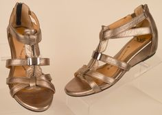 womens Sofft Gladiator gold metalic leather open toe back zip sandals 6.5 M used #Sofft #Gladiator