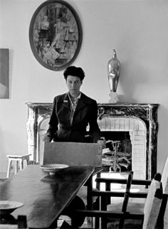 Peggy Guggenheim by Nino Migliori, 1958 Elsie De Wolfe, Peggy Guggenheim, Photo Images, Photo D Art, Historical Pictures, Street Photo, Art Portfolio, Close Image, Persona