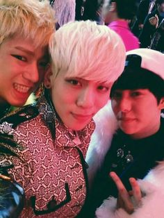 Jonghyun ♡ Block B Park Kyung Twitter ☆ ... OMG the awesomness of this picture is unquantifiable!!