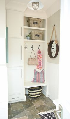 small mud room stora