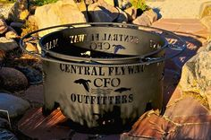 OMG...My HUsband woiuld die for this!! Where can I get one???  Duck Unlimited themed Fire Pit