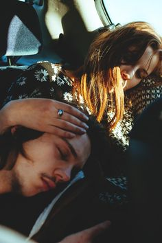 falling asleep in the back of the car, his head on your lap | cute #couple in love