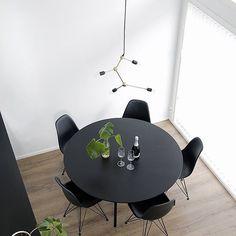 Yläilmoissa☝🏼️#ruokailutila #ruokapöytä #menu #dsr #vitra Monochrom, Scandinavian Interior, Conference Room, Black And White, Photo And Video, Table, Furniture, Instagram, Kitchen