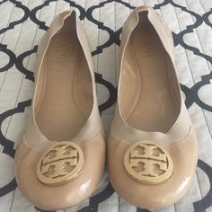 Tory burch caroline ballet flat size 8 In used condition the marker on sole assures they will not be returned to retailer size 8in used condition Tory Burch Shoes Flats & Loafers