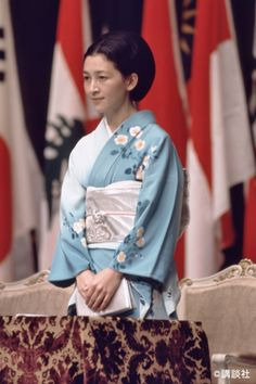 Japanese Outfits, Japanese Fashion, Asian Fashion, Imperial Fashion, Royal Fashion, Traditional Japanese Kimono, Traditional Dresses, Geisha, Modern Kimono