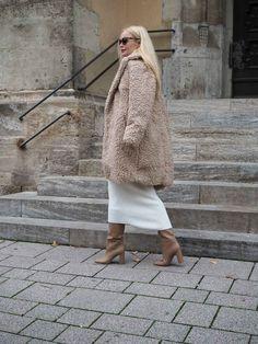 So stylst einen Teddy Coat/ Fake Für Mantel für das Büro/ Business richtig. Winter/ Trend/Mantel/Teddy/Style/Styling/Mode/Fashion/feminin/Mode für erwachsene Frauen/Business Look/Weihnachten