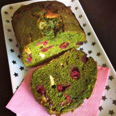 Cake thé vert, chocolat blanc et framboise