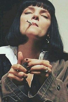 Uma Thurman in Pulp FictionYou can find Pulp fiction and more on our website.Uma Thurman in Pulp Fiction Uma Thurman Pulp Fiction, Mia Wallace, Tarantino Films, Quentin Tarantino, Pulp Fiction Kunst, Pulp Fiction Tattoo, Pulp Fiction Quotes, Films Cinema, Kino Film