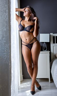 That is what I call sexy | The stunner of the night | sexy girl in black lingerie | bed time stories | For his eyes only | #Thejewelryhut