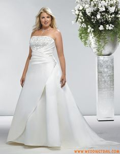 White plus size wedding dress feaures strapless neckline with embroidery on the . Cheap Vintage Wedding Dresses, Wedding Dresses For Girls, Affordable Wedding Dresses, Cheap Wedding Dress, Bridal Dresses, Plus Size Wedding Gowns, Plus Size Dresses, Gorgeous Wedding Dress, Beautiful Gowns