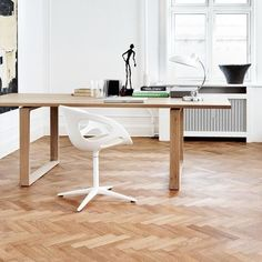Fritz Hansen - Rin Swivel Chair - white/matt/frame powder coated