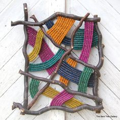 """motleycraft-o-rama: """" By The Bent Tree Gallery. """" motleycraft-o-rama: """"Von der Bent Tree Gallery. Weaving Projects, Weaving Art, Tapestry Weaving, Loom Weaving, Hand Weaving, Woven Wall Hanging, Nature Crafts, Weaving Techniques, Wall Sculptures"""