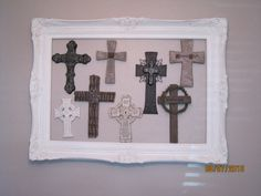 idea: cross gallery in empty frame Crosses Decor, Wall Crosses, Home Decor Furniture, Painted Furniture, Diy Arts And Crafts, Diy Crafts, Empty Frames, Empty Wall, Sign Of The Cross