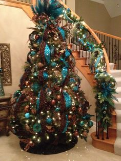 Christmas In Turquoise Pea Tree Design Beautiful