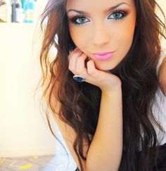 Gorgeous make up & hair.