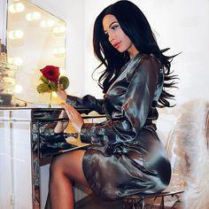 Pyjama Satin, Black Satin, The 4, Silk Satin, Formal Wear, Nightwear, Grey And White, Wonder Woman, Gowns
