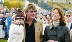 Caroline von Monaco – Hier hatte die Prinzessin noch gut lachen: 2002 schien mit ihrem Ehemann Ernst August Prinz von Hannover (hier mit Töchterchen Alexandra) noch alles in Ordnung zu sein ...
