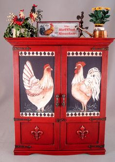 By Connie Sauve. Good Sam Showcase of Miniatures: Exhibit: The Ruffled Rooster Rooster Kitchen Decor, Rooster Decor, Red Rooster, Chicken Kitchen Decor, Hand Painted Furniture, Paint Furniture, Furniture Makeover, Chicken Art, Chickens And Roosters