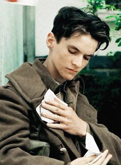 Dunkirk Cast, Dunkirk Movie, Young Celebrities, Celebs, Fionn Whitehead, Aneurin Barnard, Dark Look, Important People, Young Love