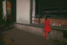 Biografía, trayectoria e imágenes del fotógrafo Boris Savelev. Repaso a su trayectoria, su obra y su aportación a la fotografía de calle y al ...