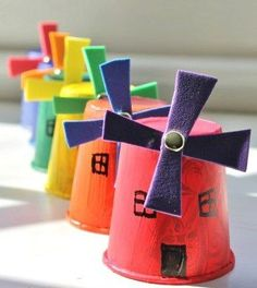Paper Cup Windmill Craft - A cute & easy craft for kids with spinning windmill blades - Dixie cup craft crafts for kids for teens to make ideas crafts crafts Arts And Crafts For Teens, Easy Arts And Crafts, Easy Crafts For Kids, Arts And Crafts Projects, Easy Diy Crafts, Cute Crafts, Windmill Diy, Paper Windmill, Windmill Blades