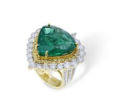 Farah Khan Emerald Ring, love the simplicity, lots of sparkle!