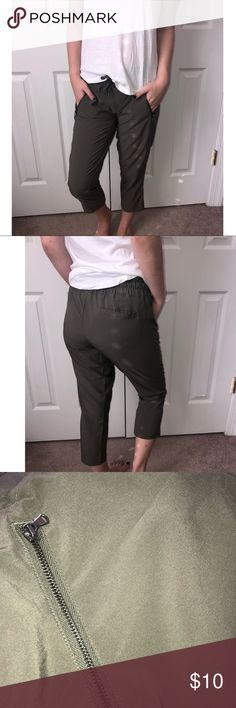 8f96f4e40b CHAMPION BRAND Army Green Cargo Pants with Zippers These capri green cargo  pants are absolutely adorable