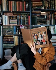Vintage Bookshelf, Journal Paper, People Sitting, Getting Cozy, Paper Goods, Book Worms, Good Books, Journals, Holiday
