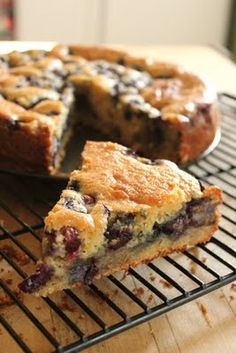 """""""Ricotta and Blueberry Cake. I used raspberries instead of bluberries and it was fantastic! (also used splenda, egg substitute, and almond milk as substitutions)"""" well this sounds all kinds of delicious Healthy Cake Recipes, Baking Recipes, Köstliche Desserts, Delicious Desserts, Yummy Treats, Sweet Treats, Splenda Recipes, Blueberry Cake, Blueberry Desserts"""