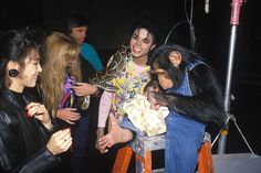 Michael Jackson, Muscles and Bubbles in set of Leave Me Alone, the short film, recorded in 1987 released in Mj Music, King Of Music, Bad Michael, Joseph, O Pop, Photos Of Michael Jackson, Leave Me Alone, Peter Pan, Photo Sessions