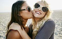 2. Tipp: Nachfragen - Best friends forever: Das Geheimnis langer Freundschaften - Abgesehen von unseren Sandkastenfreunden aus Kindertagen kennen wir viele Freunde nur halb, weil wir sie erst im Erwachsenenalter kennengelernt haben. Von unserer Kindheit wissen sie oft nichts...