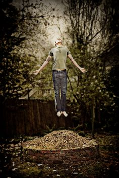 Floating in Photoshop! How to levitate in a photo