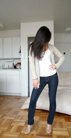 Extra Petite | Petite Fashion, Style Tips and DIY - Simple white tee, necklace, skinny jeans and nude heals - Classic look