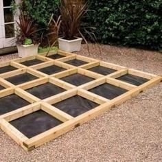 build a low deck on the ground Low Deck, Easy Deck, Front Deck, Building A Floating Deck, Deck Building Plans, Platform Deck, Deck Steps, Deck Construction, Wooden Decks