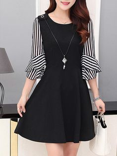 Fashionmia – Fashionmia Round Neck Striped Bell Sleeve Necklace Skater Dress – A… 2019 Sleeves Designs For Dresses, Lace Dress With Sleeves, Chiffon Dress, Sleeve Dresses, Bell Sleeves, Looks Teen, Dress Outfits, Fashion Dresses, Frock Patterns