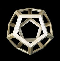 Dodecahedron vacuous, reconstructed (!) on the basis of representation in Luca Pacioli 's De divina Proportione . Model by Roman Folicaldi