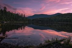 After a long day of hiking this was probably the most beautiful sunset I've ever experienced... Lonesome Lake in the White Mountains New Hampshire [OC][3000x2000]