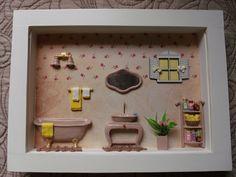 Quadro de banheiro,tipo cenário, feito em madeira MDF, pintado com tinta PVA, com miniaturas de resina pintada à mão,.Quadro encerado e com vidros de proteção.